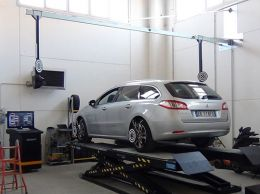 The Vamag 'New Dimension' 3D Wheel Alignment System